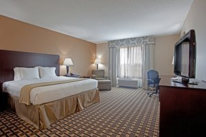 Room - Holiday Inn Express Pembroke