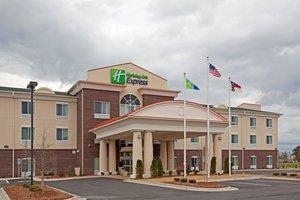 Exterior view - Holiday Inn Express Pembroke