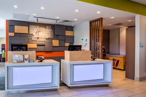 Lobby - Holiday Inn Express Hotel & Suites Reedsville