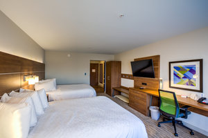 Room - Holiday Inn Express Hotel & Suites Reedsville