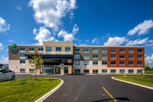 Exterior view - Holiday Inn Express Hotel & Suites Reedsville