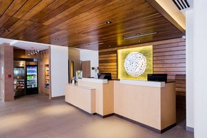 Lobby - Fairfield Inn & Suites by Marriott Broomall
