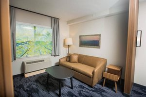 Suite - Fairfield Inn & Suites by Marriott Broomall