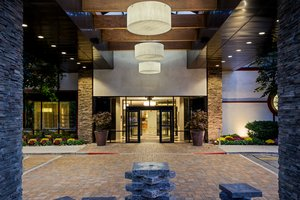 Exterior view - Crowne Plaza Hotel Suffern