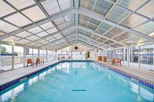Pool - Crowne Plaza Hotel Southern Hills Tulsa
