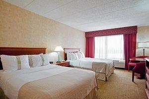 Room - Holiday Inn Crystal Lake