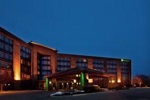 Exterior view - Holiday Inn Crystal Lake