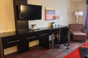 Room - Holiday Inn Riverfront Glendale