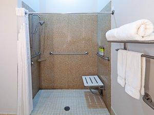 - Holiday Inn Express Bert Kouns Shreveport