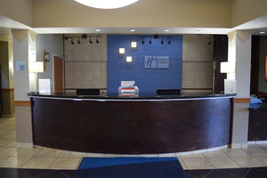 Lobby - Holiday Inn Express Hotel & Suites Lethbridge