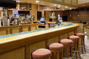 Bar - Holiday Inn Hotel & Suites St Cloud