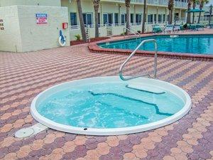 Pool - Harbour Beach Resort Daytona Beach