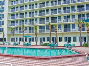Pool - Harbour Beach Resort Daytona Beach