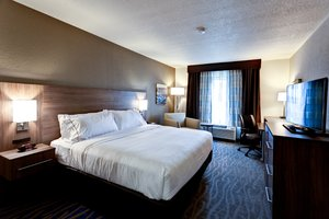 Room - Holiday Inn Express Hotel & Suites Manhattan
