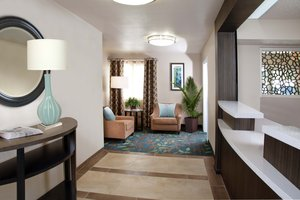 Lobby - Candlewood Suites Chester