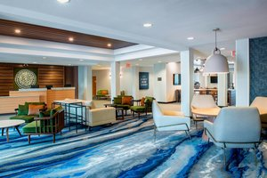 Lobby - Fairfield Inn & Suites by Marriott East Kelowna