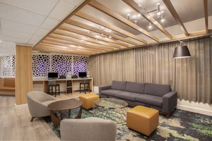 Lobby - Holiday Inn Hotel & Suites Parsippany