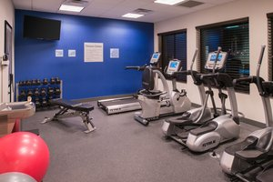 Fitness/ Exercise Room - Holiday Inn Express Hotel & Suites Airport Bakersfield