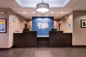 Lobby - Holiday Inn Express Hotel & Suites Airport Bakersfield