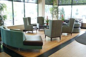 Lobby - Holiday Inn LaGuardia Airport Queens Corona