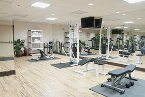 Fitness/ Exercise Room - Holiday Inn LaGuardia Airport Queens Corona