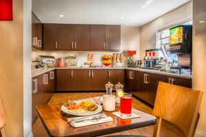 Restaurant - TownePlace Suites by Marriott BWI Airport Linthicum