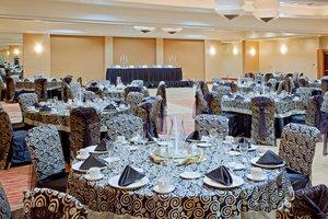 Ballroom - Crowne Plaza Hotel River Oaks Houston