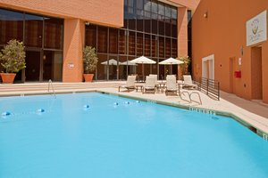Pool - Crowne Plaza Hotel River Oaks Houston