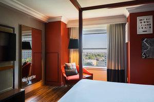 Suite - Renaissance Philadelphia Downtown Hotel