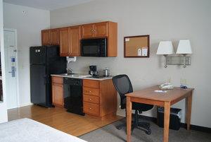 Room - Candlewood Suites Polaris Columbus