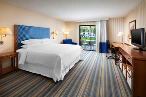Room - Four Points by Sheraton Hotel Bakersfield