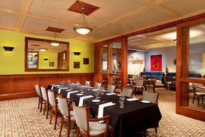 Restaurant - Four Points by Sheraton Hotel Bakersfield