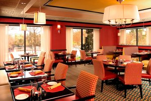 Restaurant - Four Points by Sheraton Hotel Wakefield