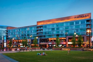 Exterior view - Hotel Zachary Wrigley Field Chicago