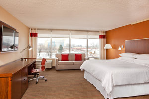 Room - Four Points by Sheraton Hotel Airport Cleveland