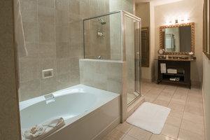 Room - Magnolia Hotel Houston