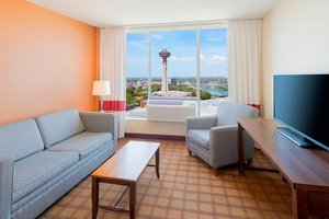 Suite - Four Points by Sheraton Hotel Niagara Falls