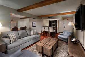 Suite - Four Points by Sheraton Hotel Manhattan