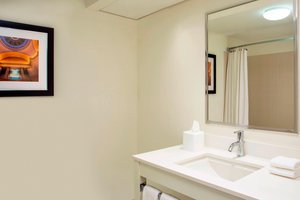 Room - Four Points by Sheraton Hotel Bentonville