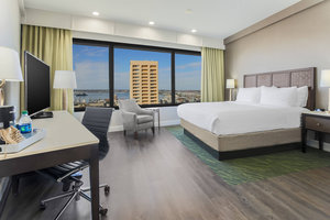 Room - Four Points by Sheraton Hotel Downtown San Diego