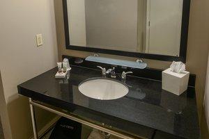 Room - Magnolia Hotel St Louis