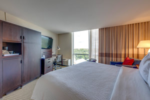 Suite - Four Points by Sheraton Hotel Downtown Tallahassee