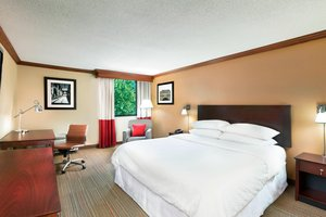Room - Four Points by Sheraton Hotel Downtown Asheville