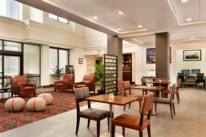 Lobby - Four Points by Sheraton Hotel Northeast Raleigh