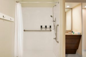 Room - Four Points by Sheraton Hotel Northeast Raleigh