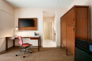 Suite - Four Points by Sheraton Hotel Northeast Raleigh