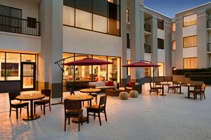 Restaurant - Four Points by Sheraton Hotel Northeast Raleigh
