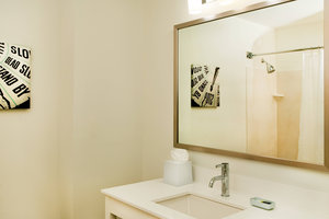 Room - Four Points by Sheraton Hotel Louisville Airport