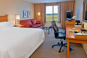 Room - Four Points by Sheraton Hotel Fairview Heights