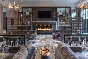 Lobby - Fairfield Inn & Suites by Marriott Waltham